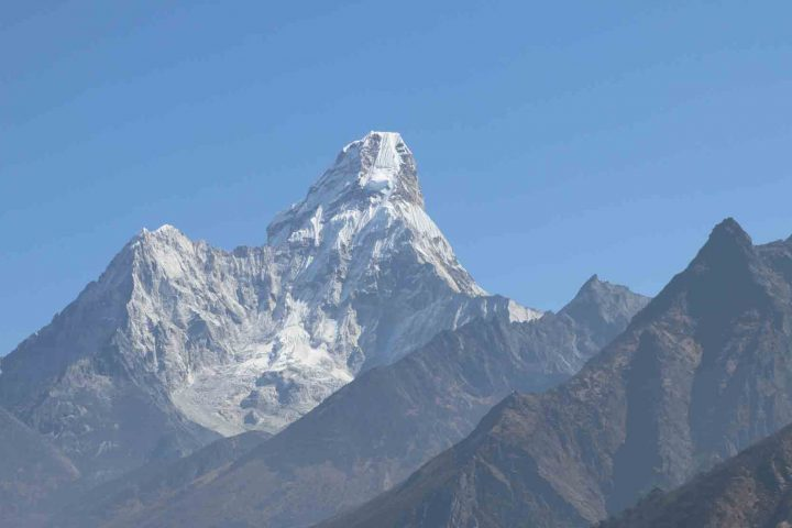 Ama-dablam-expeditions