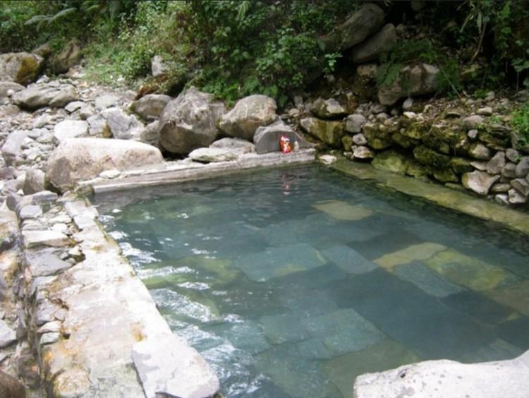 jhinu danda hot spring bath - Places around Annapurna Base Camp, annapurna base camp places to stay, accomodations around ABC trek, trekking to annapurna base camp