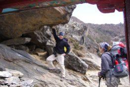 cat-nepal-climbing