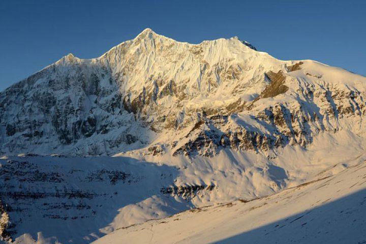tukuche-peak-nepal